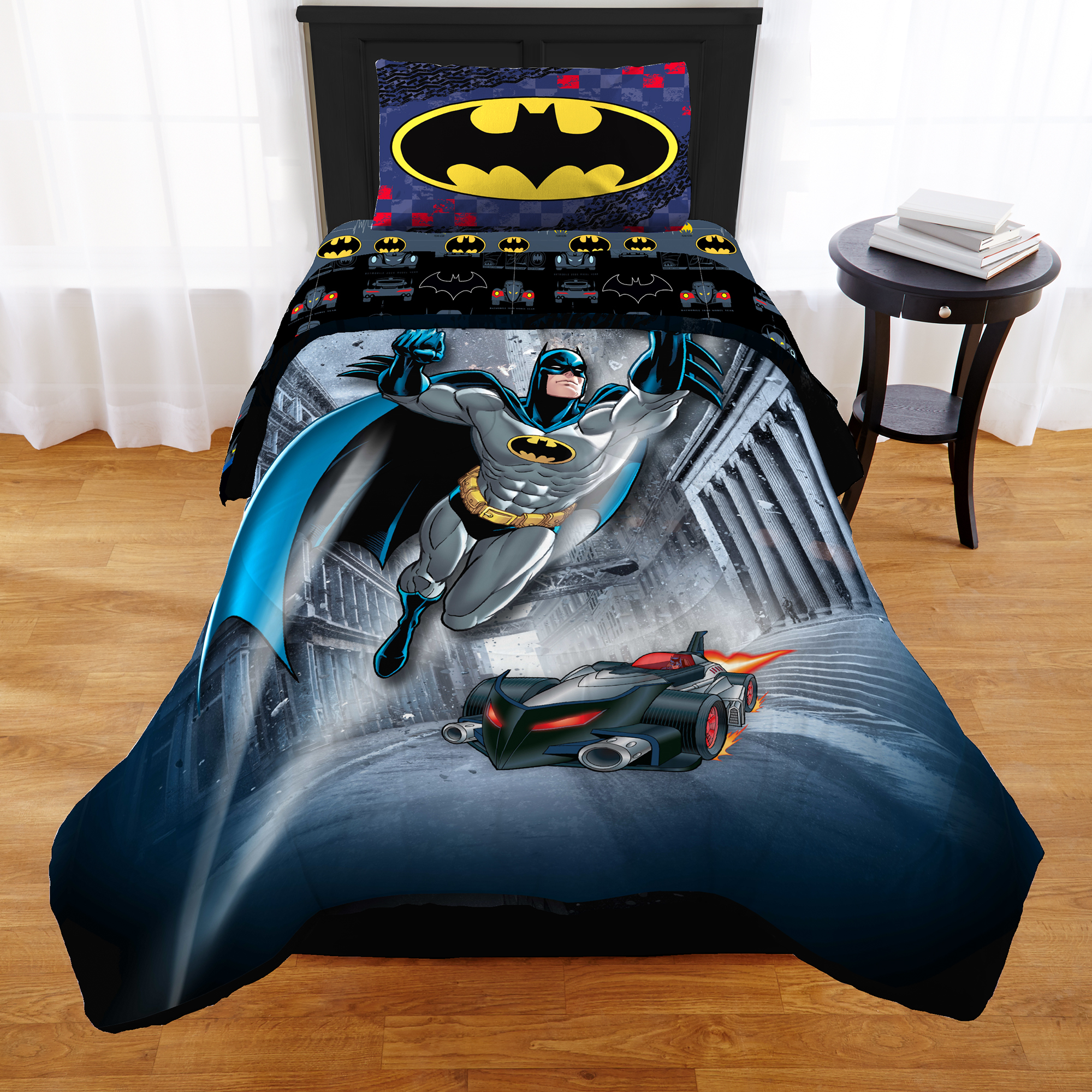 Warner Brothers Batman Guardian Speed 2 Piece Twin Full Comforter and Sham Set by Franco Manufacturing Co., Inc.