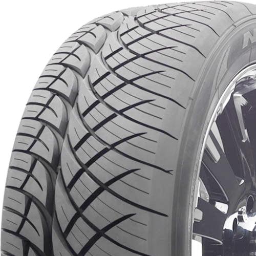 305//50R20XL 120H Nitto NT420S All-Season Radial Tire