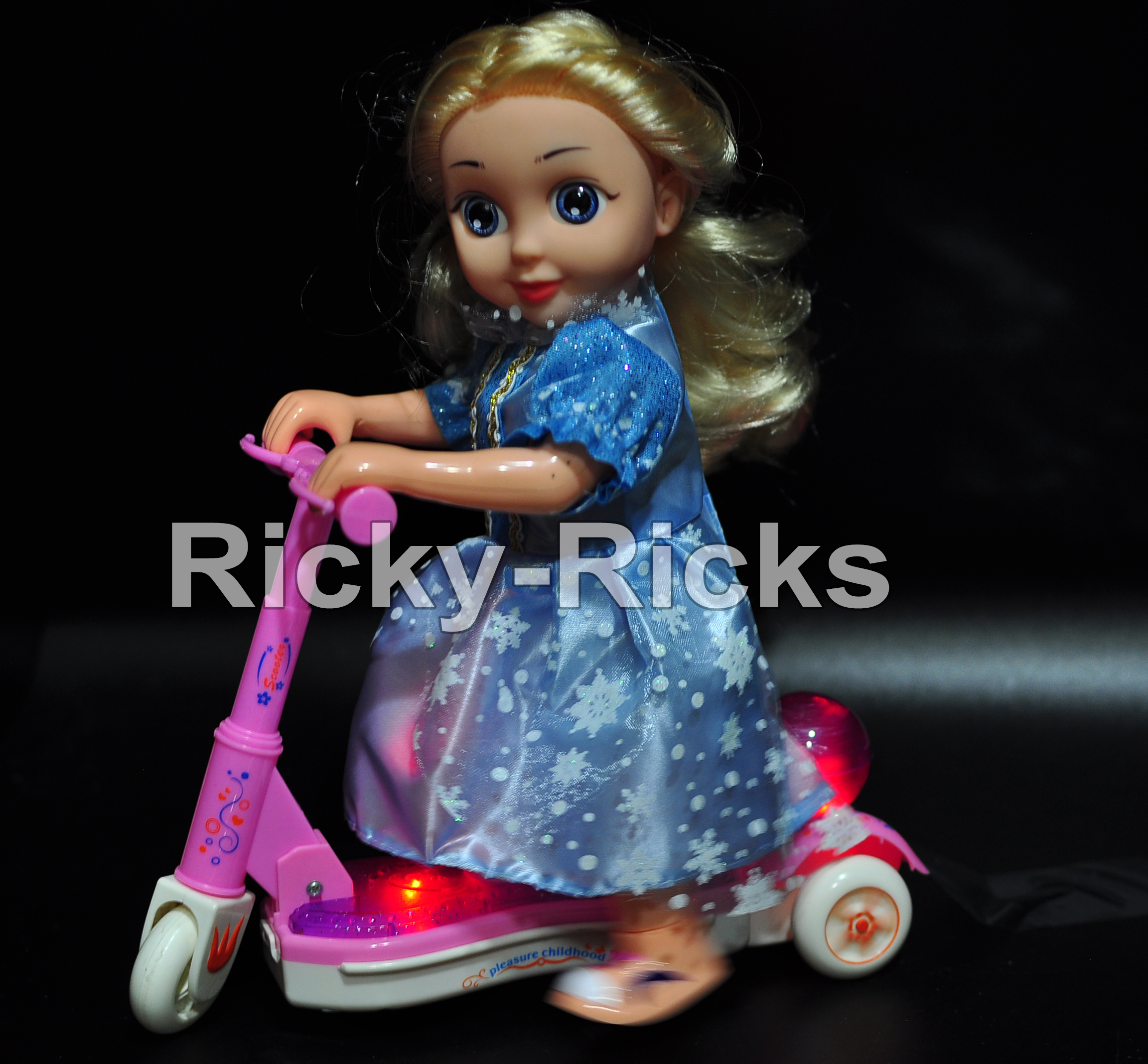 Anna Elsa Light Up Scooter Electronic Toy LED Walking Kids Music Light Gift