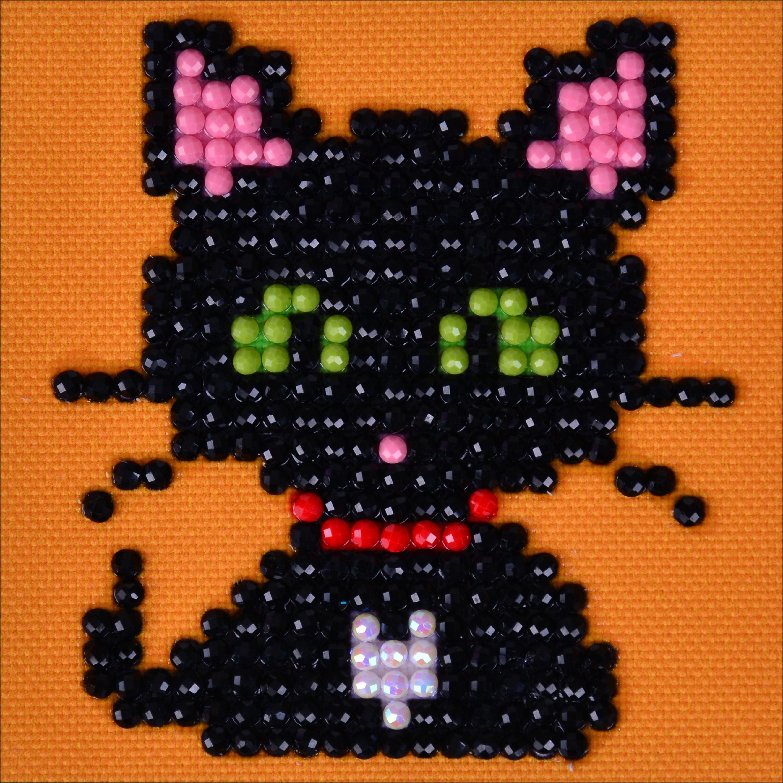"Diamond Dotz Diamond Embroidery Facet Art Kit 4.75""X4.75""-Green Eye Sparkle"