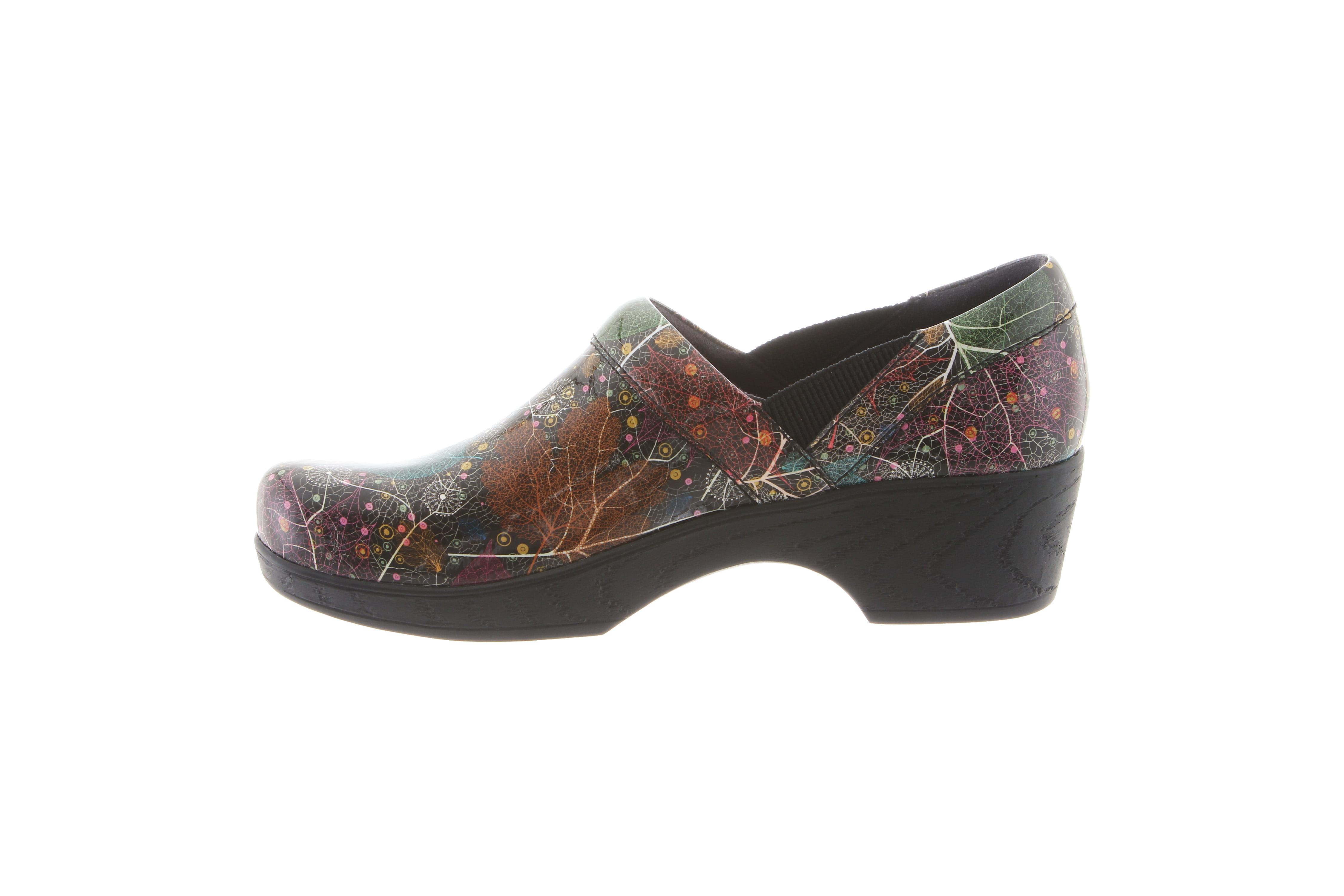 Klogs Footwear Women's Portland Shoe, Woodland Patent, 8.5 M