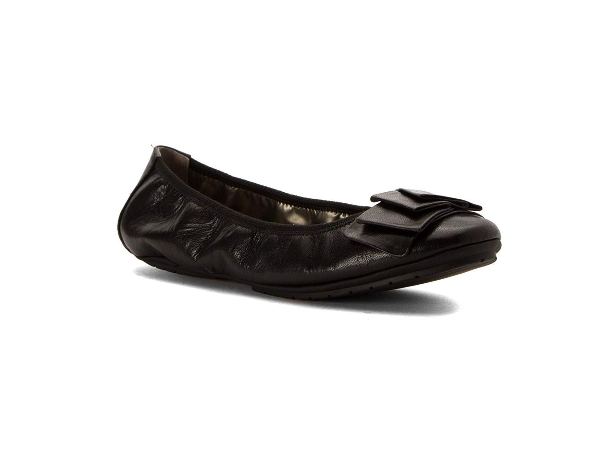 ead4b7e95f Me Too Womens Lilyana Closed Toe Ballet Flats