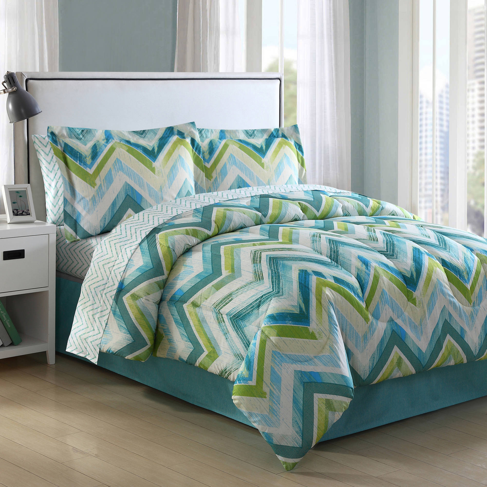 Conner Chevron Bed in a Bag
