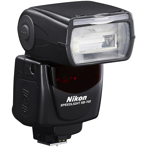 Nikon Speedlight SB700 Electronic Flash (for D7000, D5100, and D3100) by Nikon