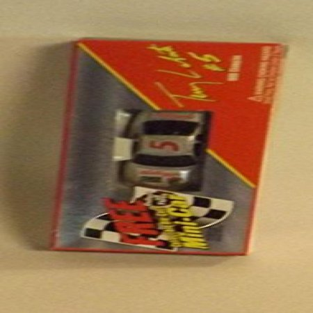 - 1997 Garner & Nevins Kellogg Company Kellogg's Racing Kellogg's Corn Flakes Iron Man #5 3 Inch 1:64 Scale Die-Cast Mini-Car Terry Labonte #5 1996 Champion