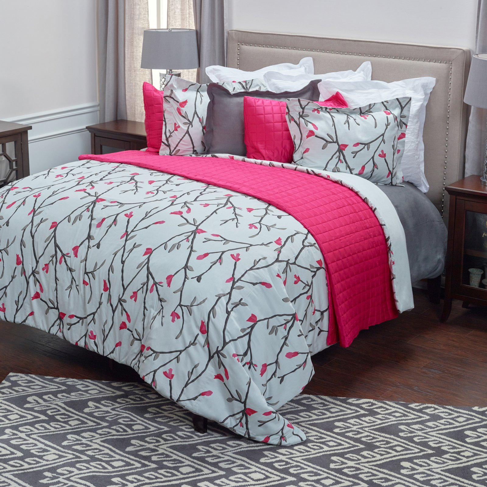 3-Pc Comforter Set in Gray (Queen)