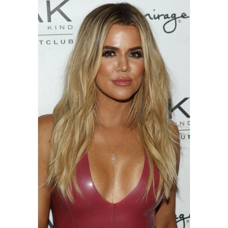 Khloe Kardashian At Arrivals For Scott Disick Birthday Celebration Rolled Canvas Art     8 X 10