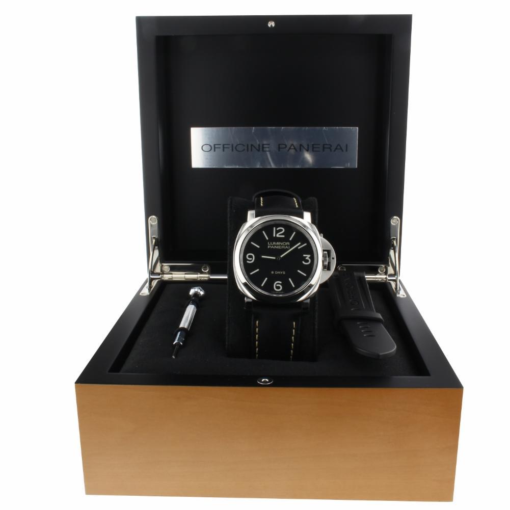 Pre-Owned Panerai Luminor PAM00560 Steel  Watch (Certified Authentic & Warranty)