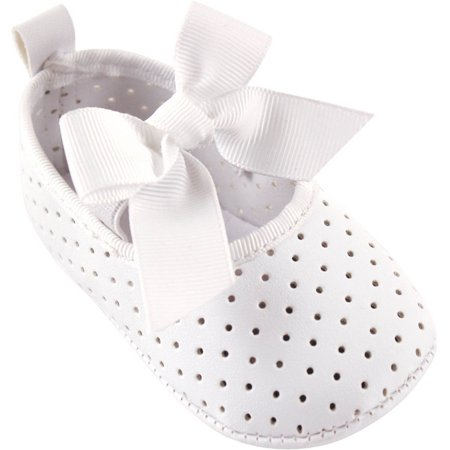 Newborn Baby Girls' Perforated Mary Jane Shoe with Badge Sole - Chuck Taylors Baby