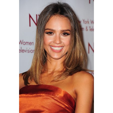 Eagle Design Award (Jessica Alba At Arrivals For New York Women In Film & Television (Nywift) Designing Women Awards Canvas Art -  (16 x 20))