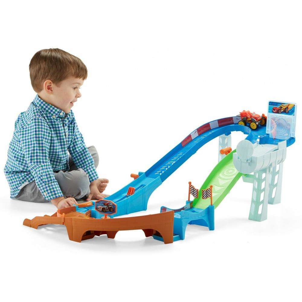 Nickelodeon Blaze and the Monster Machines Flip & Race Speedway by Fisher-Price