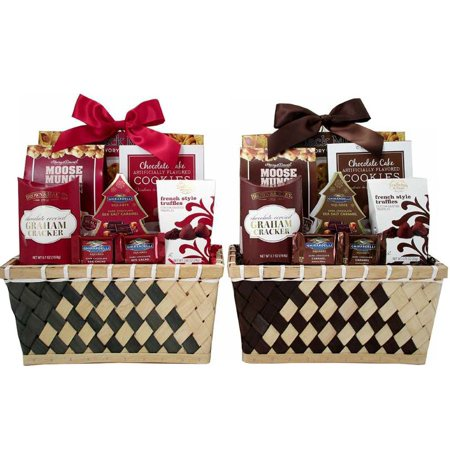 Classic Holiday Gift Basket of Treats, 8 Pieces (Color Will Vary) ()