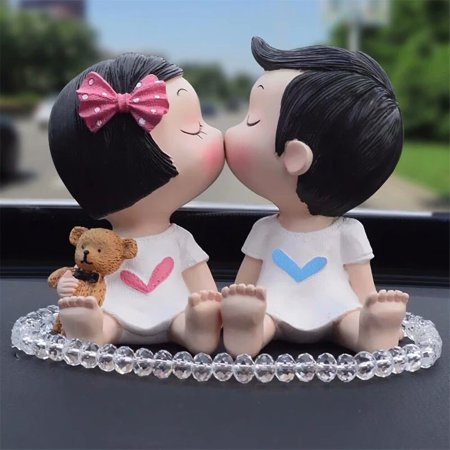 Resin Couple Kiss Doll Figurine Romantic Cake DIY Ornaments Resin Craft Wedding Decoration
