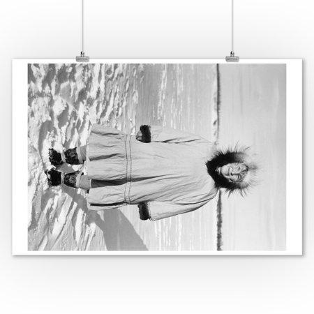 Eskimo Woman portrait in Alaska Photograph (9x12 Art Print, Wall Decor Travel Poster)](Eskimo Women)