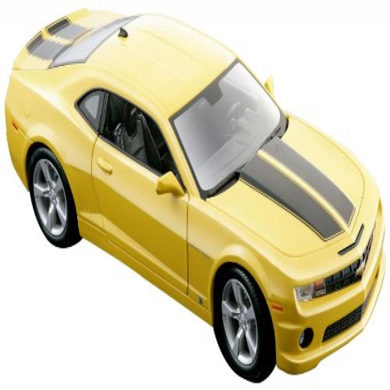 Maisto 1:18 Scale 2010 Chevy Camaro SS RS Diecast Vehicle (Colors May Vary) by