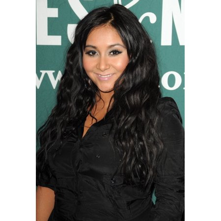 Nicole Snooki Polizzi At In-Store Appearance For A Shore Thing Book Signing With Nicole Snooki Polizzi Barnes And Noble Book Store At The Grove Los Angeles Ca January 6 2011 - Stores At The Grove