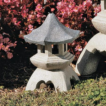 Design Toscano Pagoda Lantern Sculpture: -
