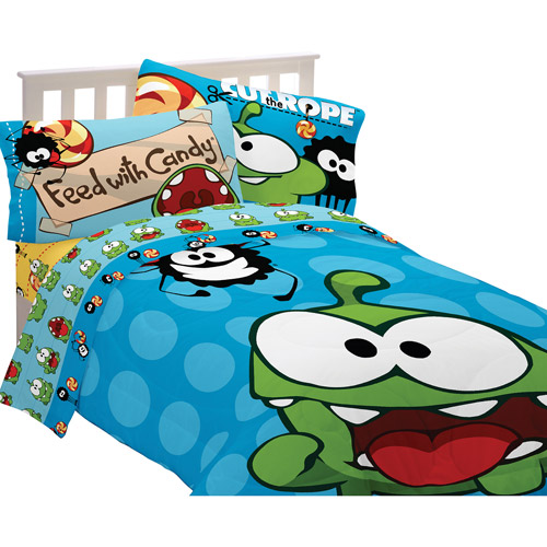 Cut the Rope Om Nom Candy Reversible Comforter