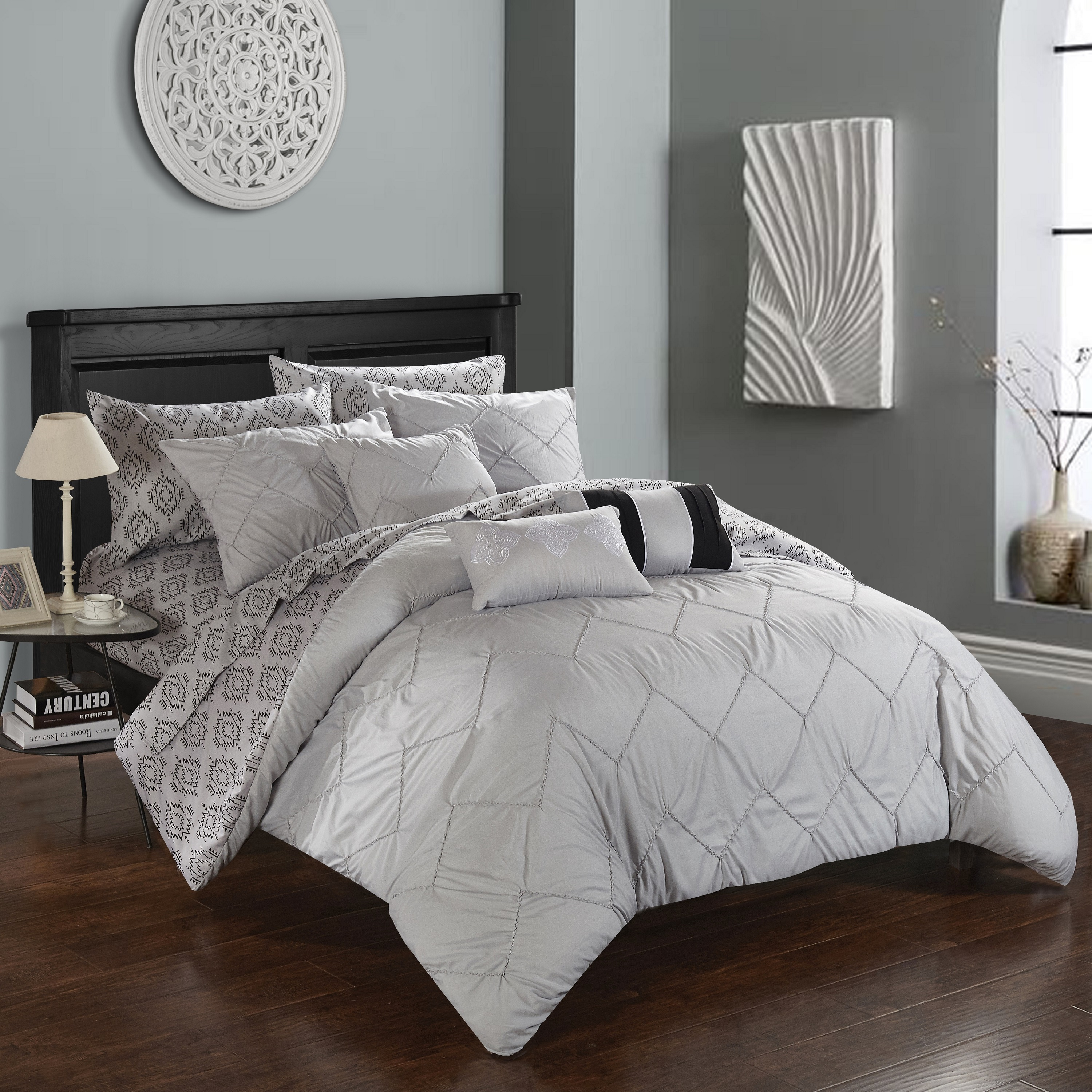 Chic Home 10 Piece Darlene Reversible Bed in a Bag Bedding Set