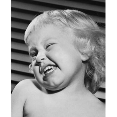 Posterazzi SAL2559432E Close-Up of a Baby Winking Poster Print - 18 x 24 in. - image 1 de 1