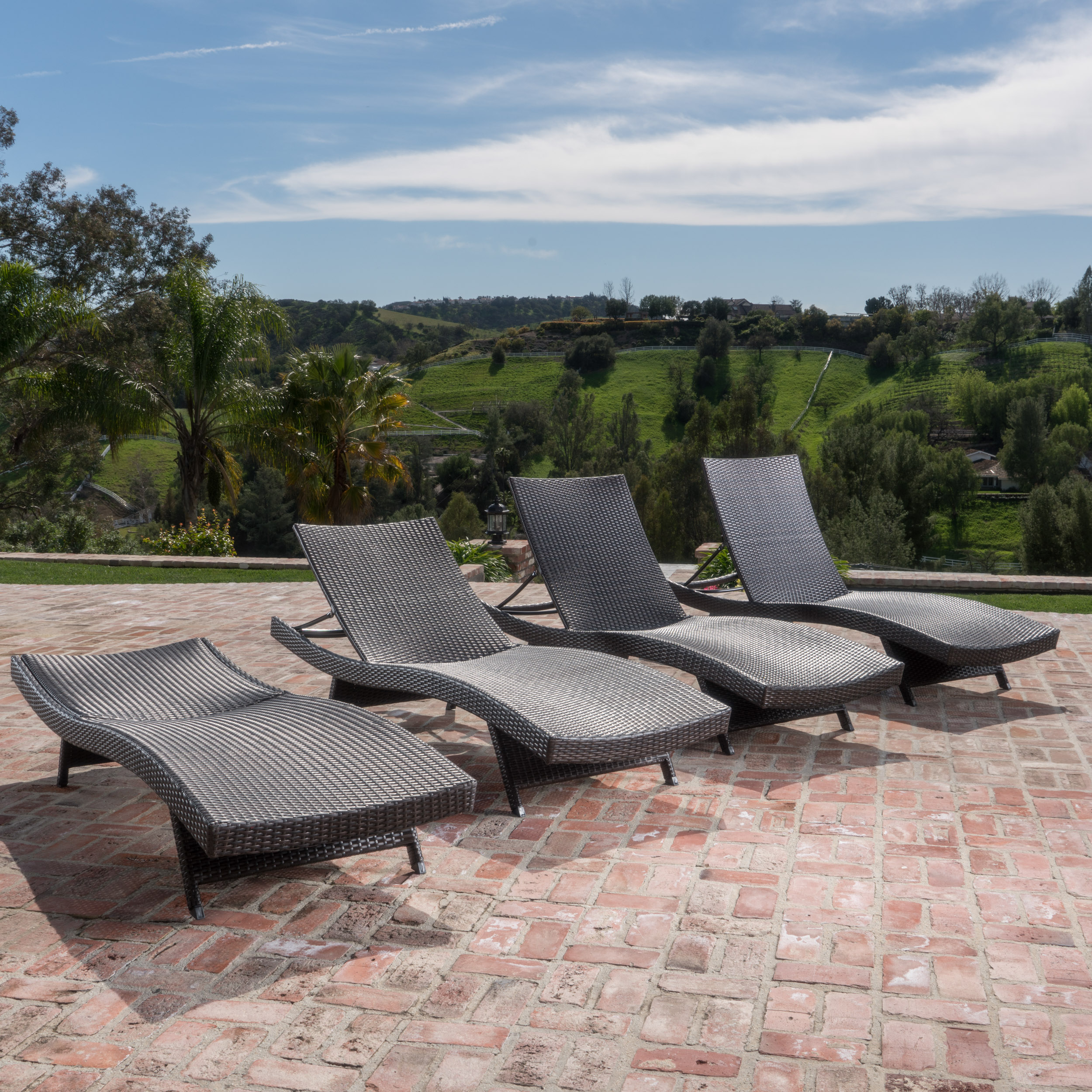 Santina Outdoor Brown Wicker Lounge (Set of 4)