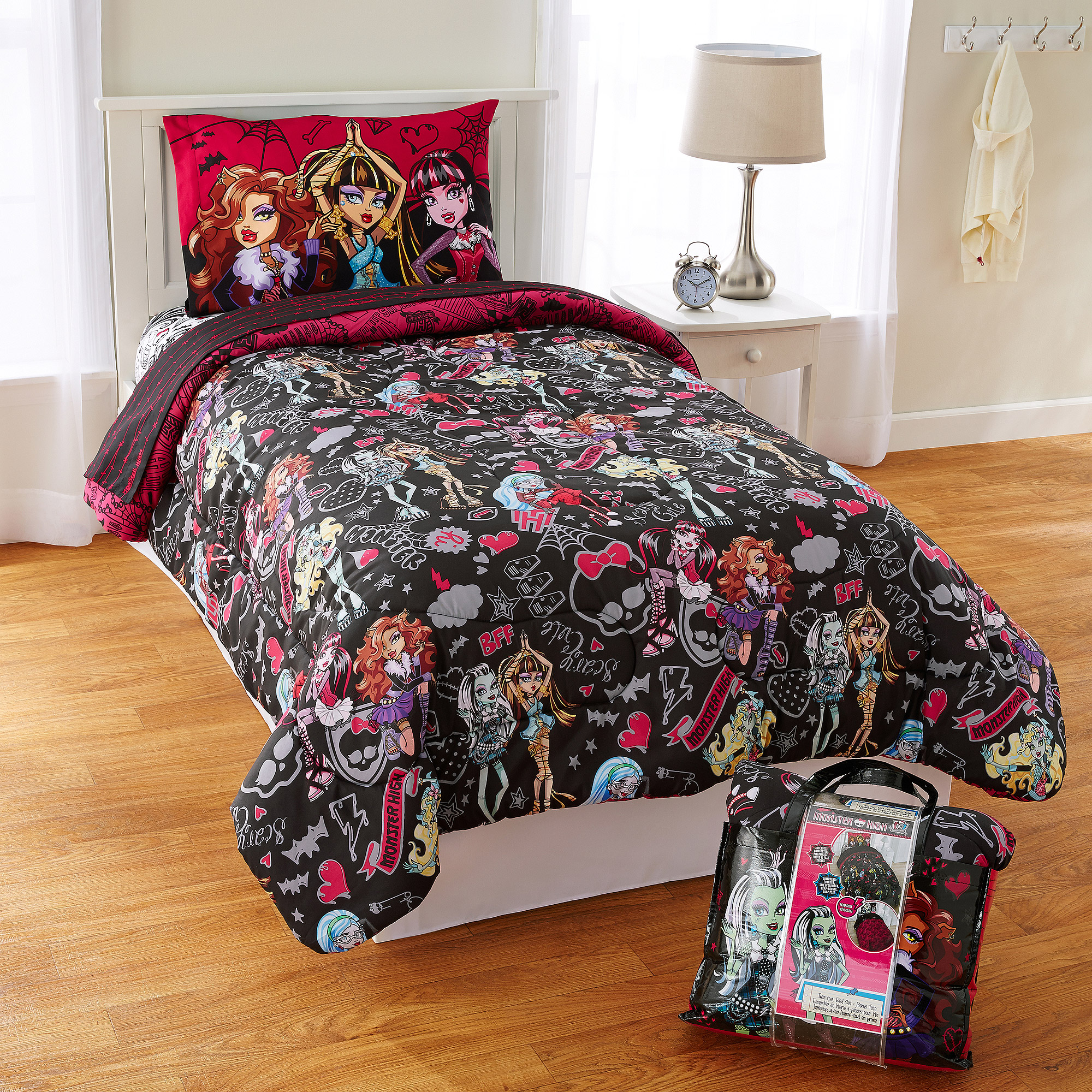Mattel Monster High Crew 4 Piece Twin Bed Set