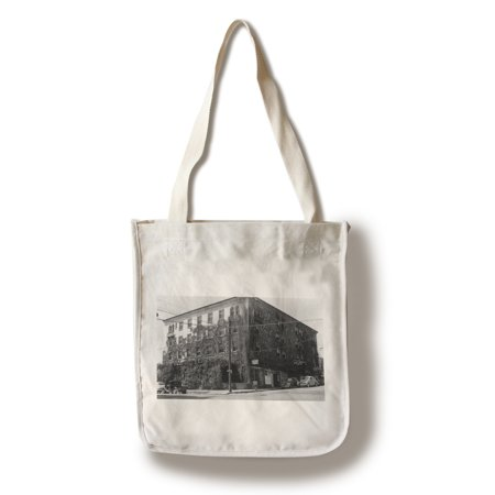Grass Valley, California - Exterior View of Bret Harte Inn (100% Cotton Tote Bag -