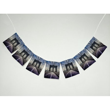 GCKG Cityscape Brooklyn Bridge in New York City Banner Bunting Garland Flag Sign for Home Family Party Decoration (Paty City)