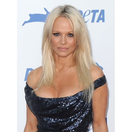 Pamela Anderson At Arrivals For Petas 35Th Anniversary Gala The Hollywood Palladium Los Angeles Ca September 30 2015 Photo By Dee Cerconeeverett Collection Photo Print