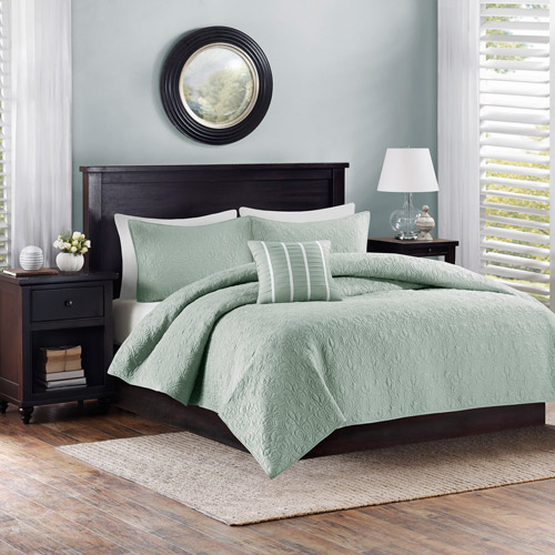 Better Homes and Gardens 4pc Solid Damask Reversible Quilt Bedding Set