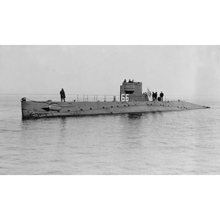 Uss O-5 Was One Of 16 O-Class Submarines Built For The US Navy During World War 1 In 1921 The Sub Patrolled The Atlantic Coast From Cape Cod To Key West