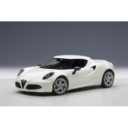 Alfa Romeo 4C Pearl White 1/18 Model Car by Autoart