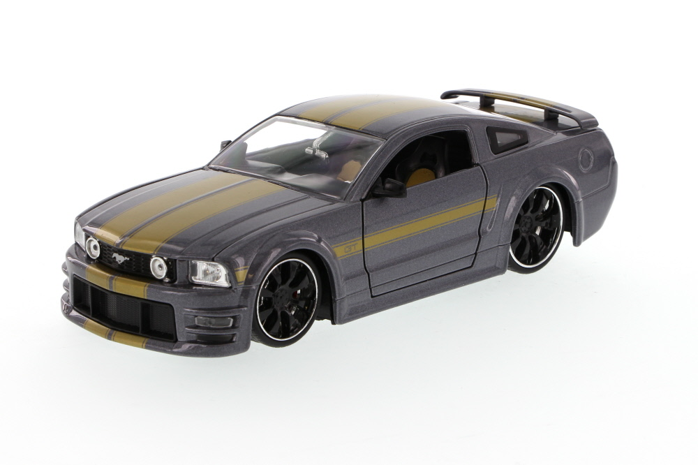 2006 Ford Mustang GT, Gray Jada Toys Bigtime Muscle 90661 1 24 scale Diecast Model Toy Car... by Jada