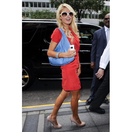 Paris Hilton Enters The Waldorf Astoria Hotel Out And About For Celebrity Candids - Thursday  New York Ny May 27 2010 Photo By Ray TamarraEverett Collection Celebrity
