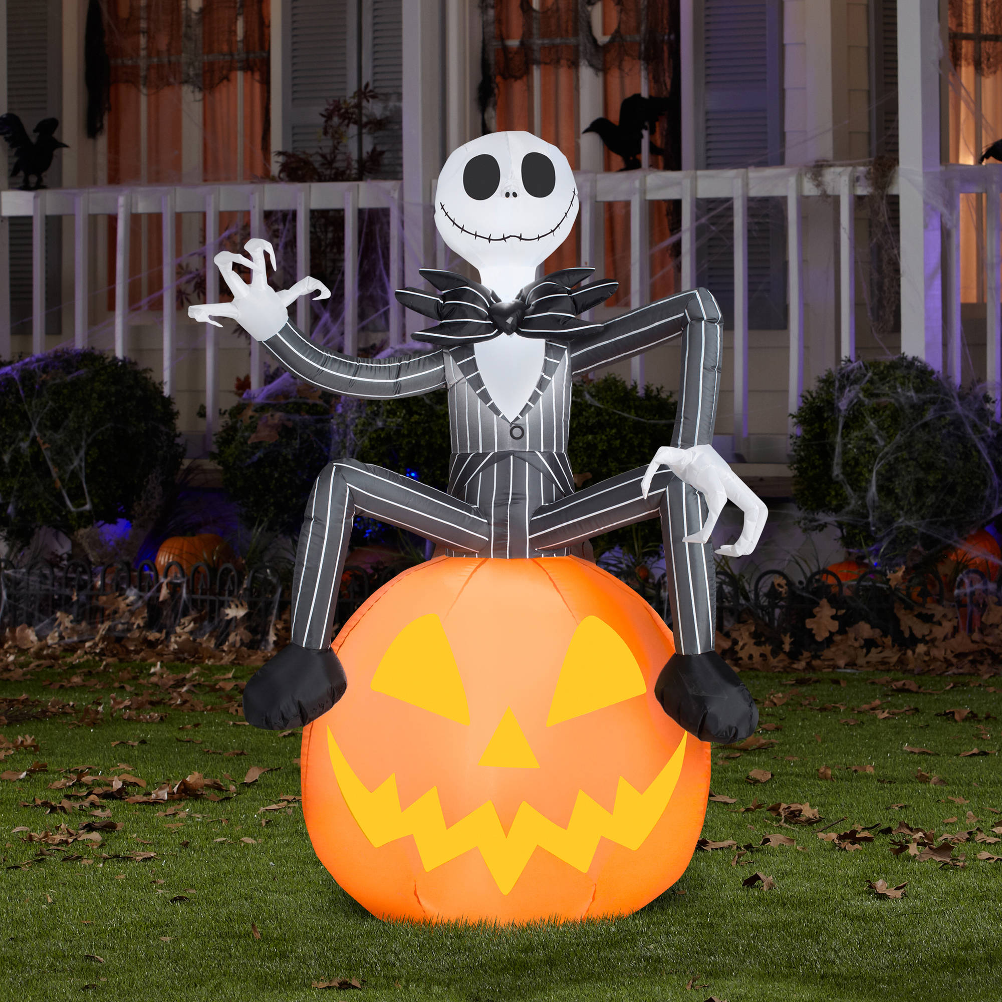 Nightmare before Christmas 5' Tall Disney Jack Skellington with Pumpkin Halloween Airblown Inflatable