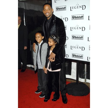 Will Smith Jayden Smith Willow Smith At Arrivals For I Am Legend Premiere Wamu Theatre At Madison Square Garden New York Ny December 11 2007 Photo By George TaylorEverett Collection Celebrity