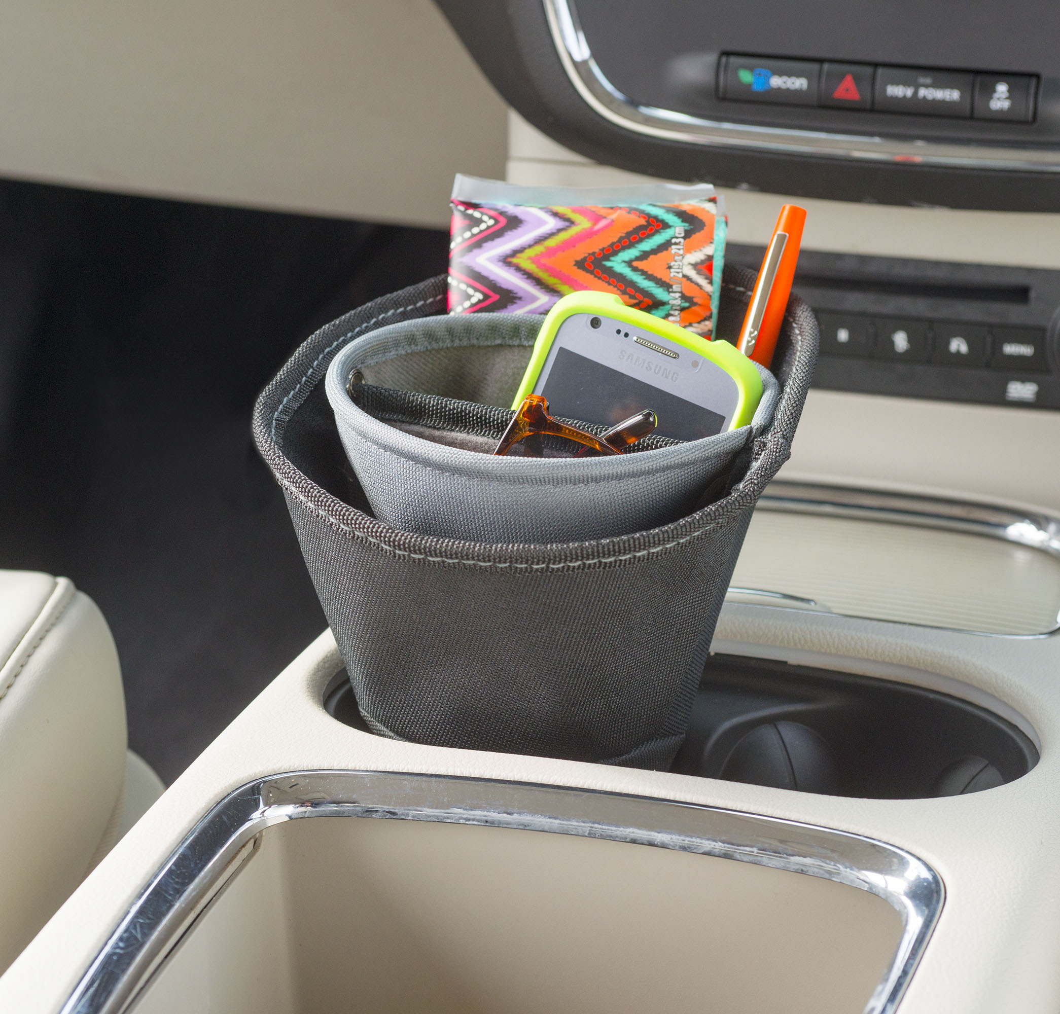 High Road Ultra DriverCup Car Phone Holder and Charging Station