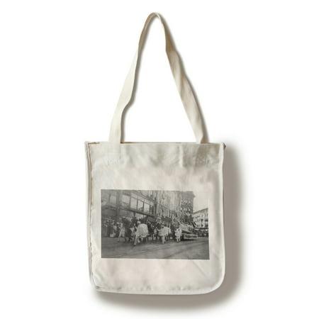 Grand Rapids, Michigan - Homecoming Week Parade (100% Cotton Tote Bag - Reusable)