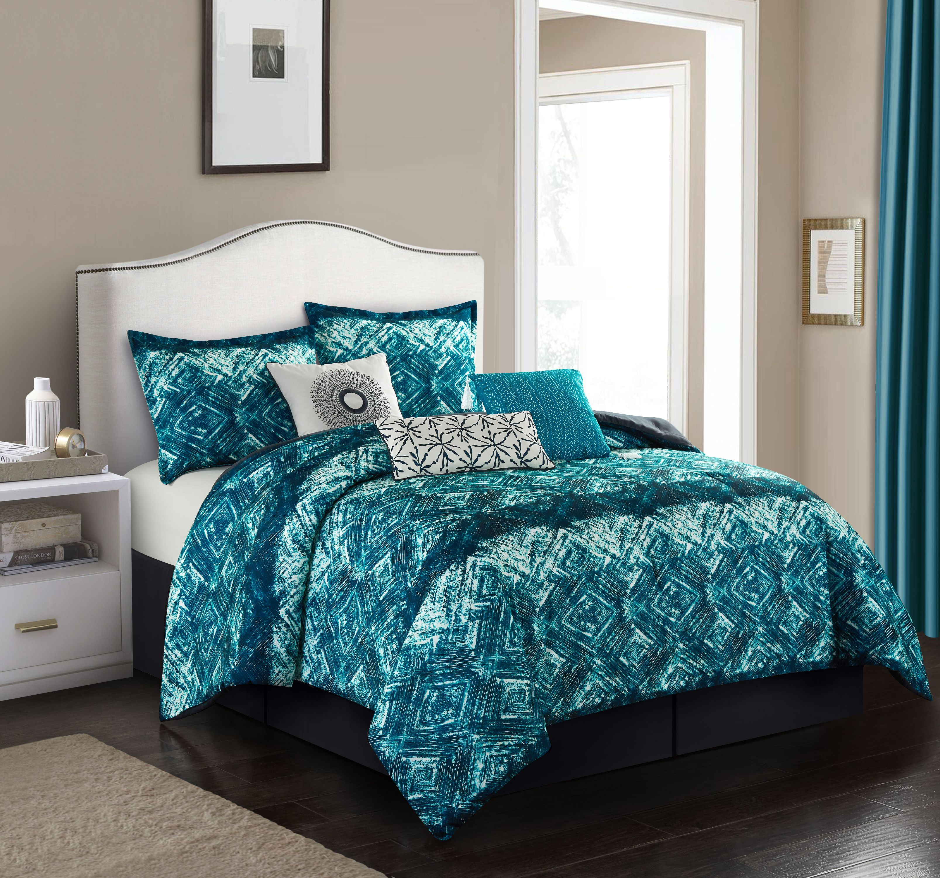Nanshing Batique 7-Piece Comforter Set
