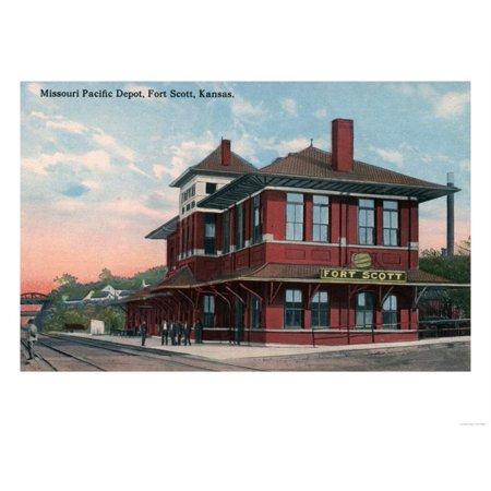 Fort Scott, Kansas - Missouri Pacific Railroad Depot Print Wall Art By Lantern (Missouri Pacific Lines Railroad)