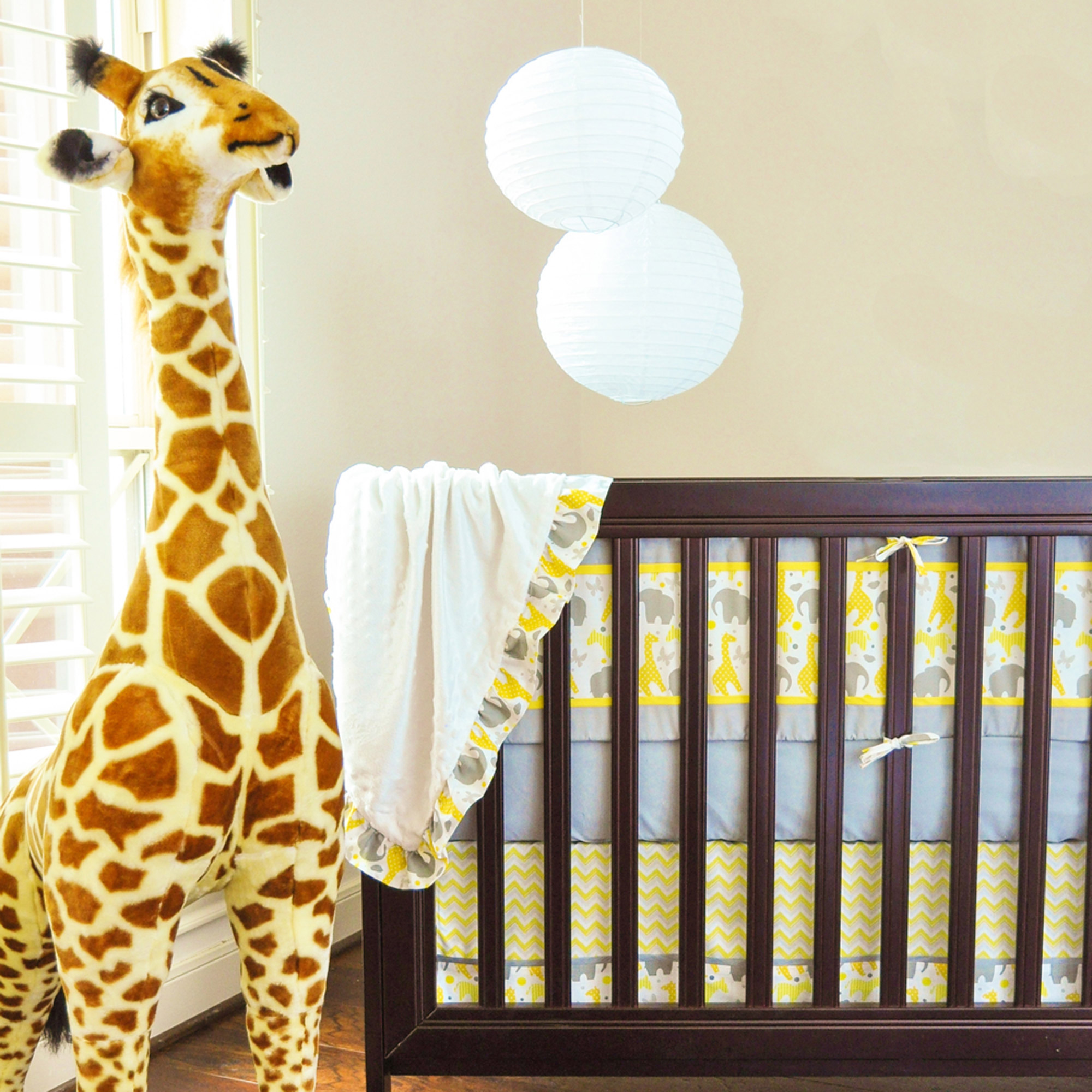 Pam Grace Creations ZigZag Safari 10-Piece Crib Bedding Set with Bumper