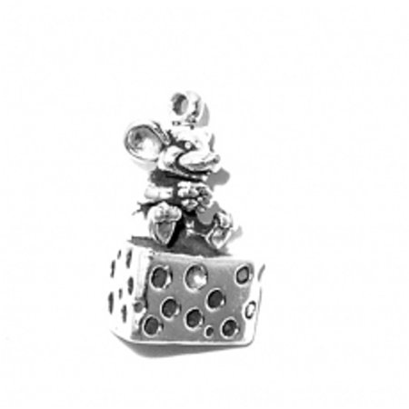 """Sterling Silver 16"""" .8mm Box Chain 3D Mouse Sitting On Block Of Cheese Eating It Pendant Necklace"""