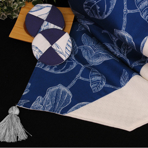 Pacific Table Linens Bouquet Table Linen and Placemat Reversible Table Runner