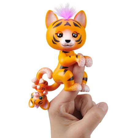 Fingerlings Light-Up Baby Tiger and Mini - Benny and Kali - Interactive Toy