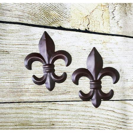 New Set of 2 Tin FLEUR DE LIS Wall Plaque Hanging Home Decor ()