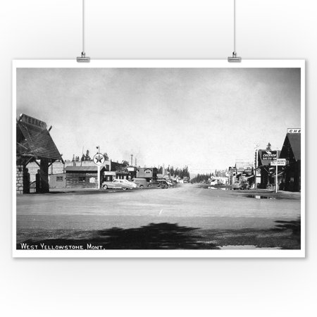 West Yellowstone, Montana - Street Scene with Texaco Station Photograph (9x12 Art Print, Wall Decor Travel (Universal Street Scene)