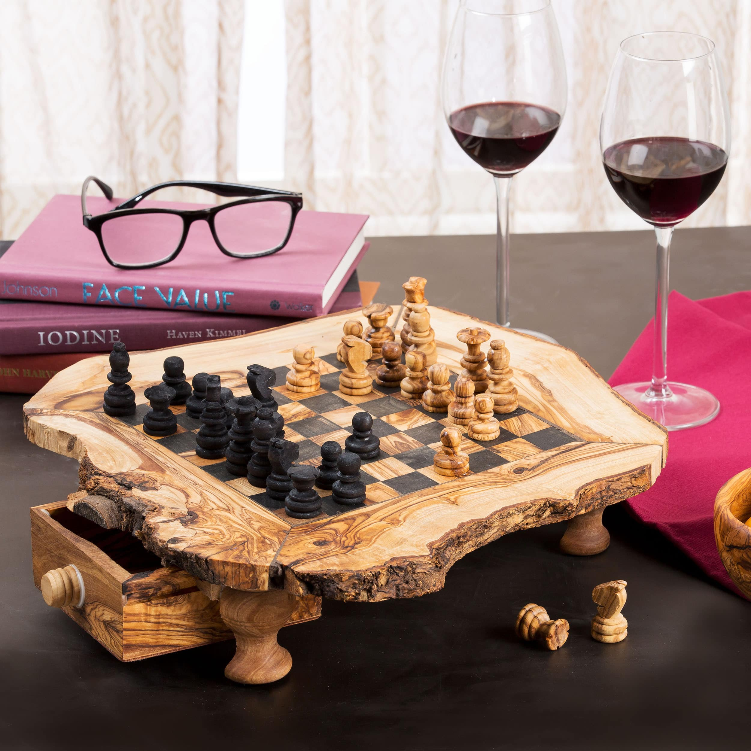 Beldinest Handmade Olive Wood Chess Set (Tunisia) Small Size (11x11x3) by Overstock