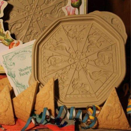Brown Bag Cookie Art Carousel Shortbread Cookie (Brown Bag Cookie Art)