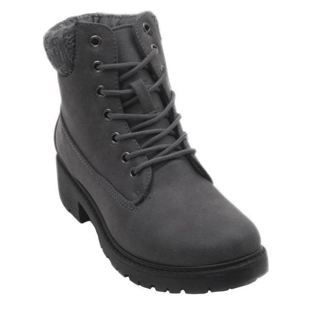 6d599f84c8b3 Boots