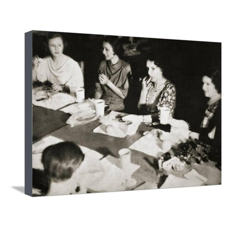 Office girls taking their lunch break, New York, USA, early 1930s Stretched Canvas Print Wall